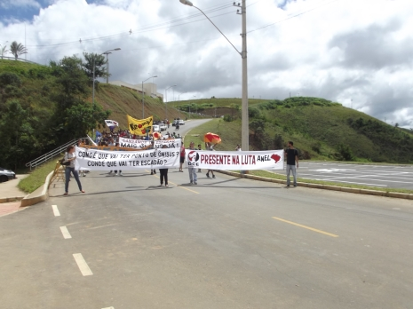 Alunos da UFJF à caminho da manifestação